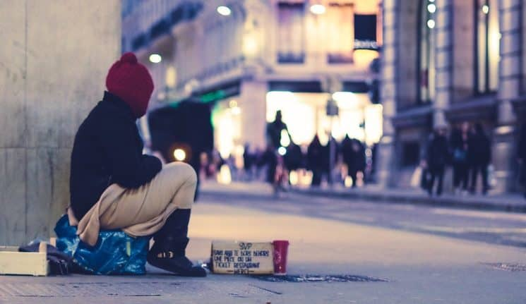 Meaning of Dreaming of a Homeless - MisticaWeb
