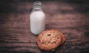dream with milk and cookies